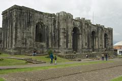 Ruins of the Santiago Apostol cathedral in Cartago, Costa Rica. Kuvituskuvat