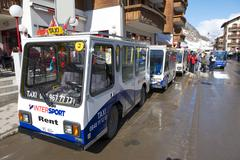 """Electro"" taxis in Zermatt, Switzerland. Kuvituskuvat"