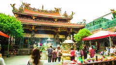 Time Lapse - People Praying in the Long Shan Temple, Taipei, Taiwan Stock Footage
