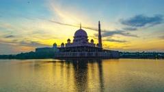 4K Malaysian Putrajaya Mosque Beautiful Sunrise Timelapse Stock Footage