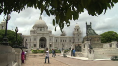 Monument of architecture - the Queen Victoria memorial in Kolkata, India. Stock Footage