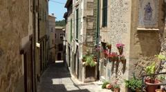 Spain Mallorca Island various 019 idyllic alley in village Estellencs Stock Footage