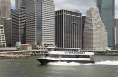 NY Waterway passenger ferry Lautenberg underway on the East River NYC with ba Stock Photos