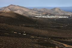 View from the Montana de Guardilama range south on the wine growing region of - stock photo