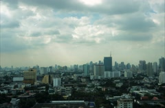 Time lapse view of Bangkok skyline. Top view of Praram IV road Stock Footage