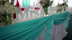 Inscription on the table brides and Mrs. myster Stock Footage