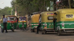 Driver of Rickshaw Indian in the wait Stock Footage