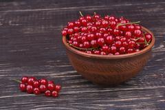 Redcurrants in a bowl Stock Photos