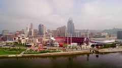 CINCINNATI SKYLINE, AERIAL, FROM RIGHT TO LEFT OVER OHIO RIVER Stock Footage