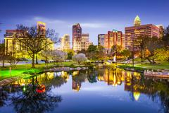Charlotte, North Carolina, USA uptown skyline at Marshall Park. Kuvituskuvat
