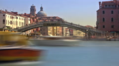 Time-lapse of the Scalzi bridge and water traffic in Venice. Stock Footage