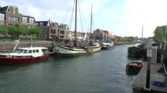 Scheepstimmersdijk accros havenkanaal in Zierikzee Stock Footage
