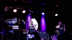 Salt-N-Pepa performing Shake Your Thang in NYC at BB King's show Stock Footage