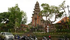 Gorgeous Balinese towering kori agung gate, parallax view from Suweta street Stock Footage