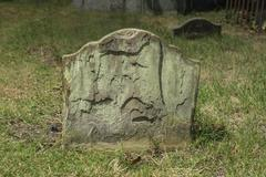 Old gravestone Stock Photos