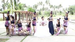 Bride poses with bride's maids Stock Footage