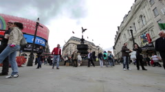 LONDON - OCTOBER 7: Eros statue in Piccadilly Circus on October 7, 2011 in Stock Footage