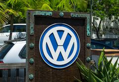 Volkswagen Automobile Dealership and Sign Stock Photos