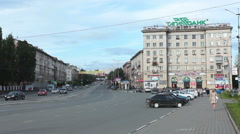 Crossing of Lenin avenue and Stroiteley is in Leninsky district. Nizhny Tagil Stock Footage