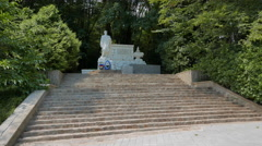 Monument to the heroes of the Great Patriotic War in somshitovoy yew the grove. Stock Footage