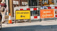 Road closed sign and diversion on London streets Kuvituskuvat