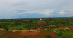 4k low aerial towards -  Shwe San Daw Pagoda and stupas Stock Footage