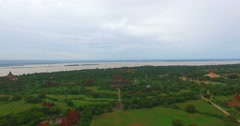4k aerial flight towards Thatbyinyu temple Stock Footage
