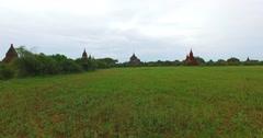 4k low aerial sweep towards Thatbyinyu temple Stock Footage