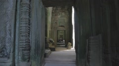 Siem Riep Cambodia temple entrance - natural sunlight Stock Footage