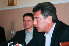Moscow, Russia - April 6, 2009. Politicians Boris Nemtsov and Ilya Yashin ann Stock Photos