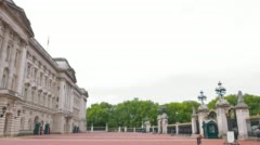 Buckingham Palace, official The Queen residence, London, UK Stock Footage