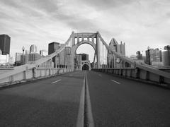 Empty Pittsburgh Bridge Black and White Kuvituskuvat