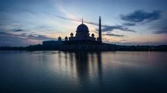 Beautiful Sunrise Putra Mosque, Putrajaya Stock Footage