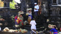 Indonesian men and women celebrate Balinese New Year. Ubud, Bali, Indonesia Stock Footage