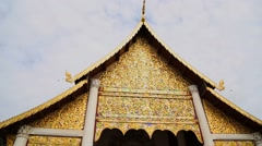 Wat chedi luang golden temple Stock Footage