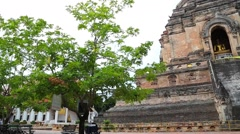 Stock Video Footage of early morning pan - wat chedi luang temple