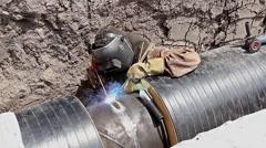 Manual metal arc welding. Stock Footage