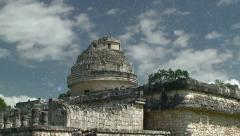 Caracol, observatory of Chichen Itza come from day in to the night star sky Stock Footage