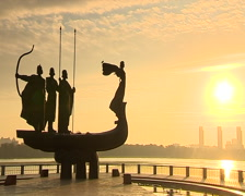 Stock Video Footage of Kyiv monument dawn 003 03