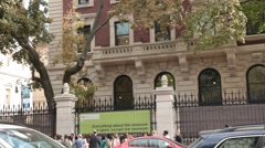 Newly Re-opened Cooper Hewitt Museum with traffic and Crowds Stock Footage