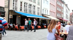 Unidentified tourists  in  area of cafe and  restaurants. Dusseldorf Arkistovideo