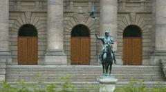 Otto von Wittelsbach statue in Hofgarten, Munich Stock Footage