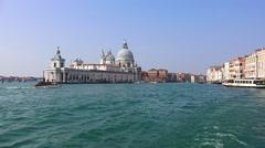 Waterbus tour tourist pov Veiw to Grand Canal and basilica Santa Maria della - stock footage