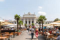 The Burgtheater (Imperial Court Theater) In Vienna Stock Photos