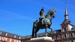 Statue of king Philip at Puerta del Sol square in Madrid, Spain Stock Footage