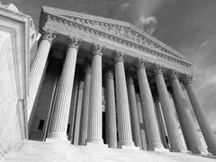US Supreme Court Building Black and White Kuvituskuvat