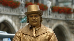 A living statue in Marieplatz, Munich Stock Footage