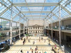 Visitors and art at The Metropolitan Museum in NY Stock Photos