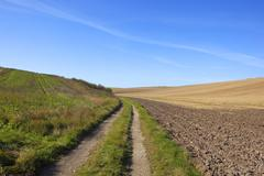 Yorkshire wolds farm track Stock Photos