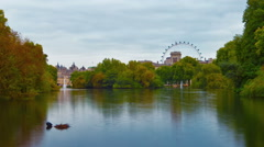 Saint James Park waterway time-lapse in London. Cropped. Stock Footage